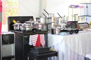 Stove, pots and serving pots